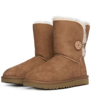 UGG Bailey Button Boots / Chestnut